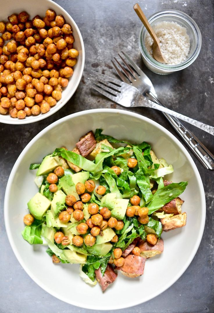 Can't imagine a more delicious or easier snack than these roasted chickpeas, spicy and crunchy. Amazing on a lunch bowl, or just to nibble on with a drink!