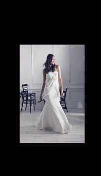 Melissa Sweet 'Reverie' size 2 new wedding dress - Nearly Newlywed