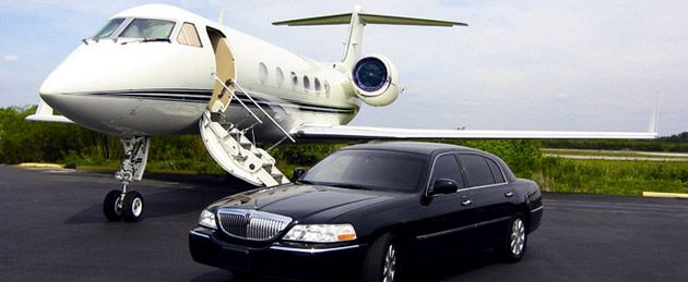 Get the most reliable and affordable town car service from Lansing to Detroit Airport at Dtwtaxi.com.