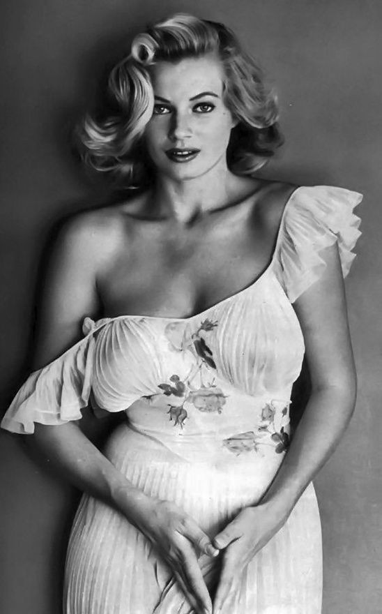 (Love this hair) Anita Ekberg, swedish model, actress and cult sex symbol,  best known for her role as Sylvia in the 1960 Federico Fellini's La Dolce  Vita.