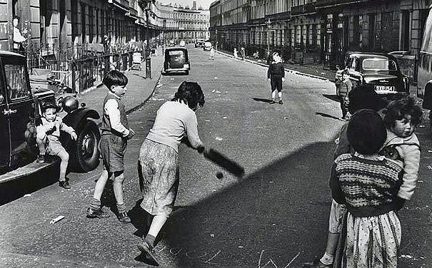 London,1957, children playing