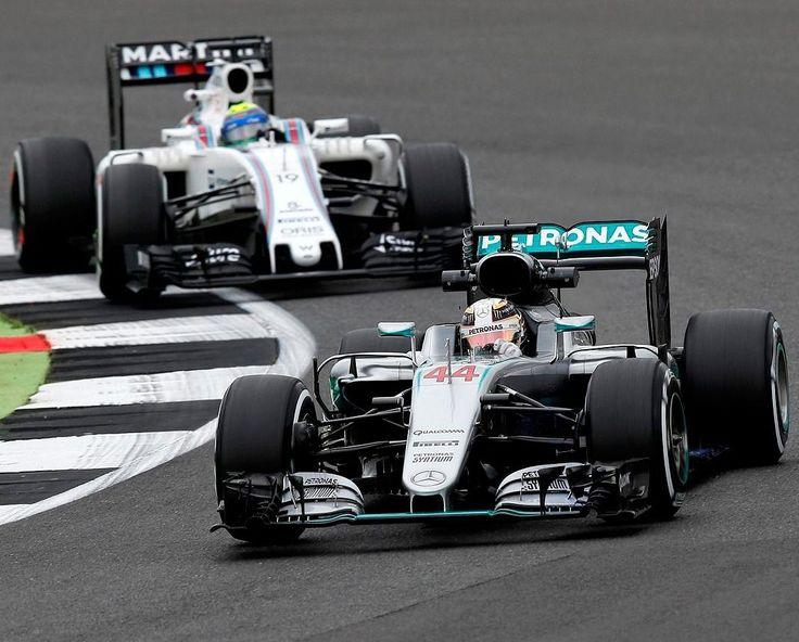 @LewisHamilton a bordo da Mercedes-Benz F1 W07 Hybrid e @MassaFelipe19 com sua Williams FW38 nos treinos livres para o Grande Prêmio da Grã-Bretanha em Silverstone na Inglaterra.  #CarroEsporteClube #Mercedes #Williams #AMG #mercedesamgf1 #F1 ##BritishGP #Silverstone #formula1 #Automobilismo #acelerados #auto #brasil #cargramm #carporn #carro #carros #cars #carsofinstagram #driver #horsepower #instacarros #instacars #instalike #quatrorodas #racer #speed #voiture Photo:  Sutton Images