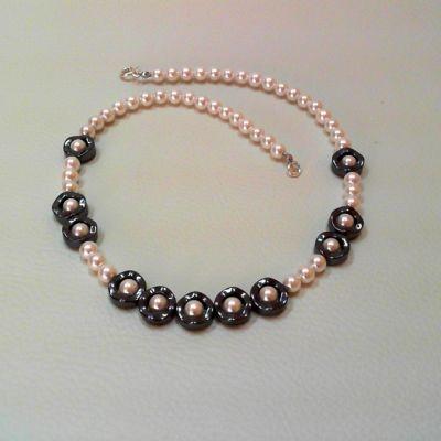 Colier, perlă cultivată shell, hematit | Matilda Creations Făcut din: perlă cultivată shell (rotund 6 mm), hematit ( inel ondulat 12 mm)