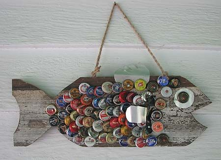 Bottle Cap Fish.  I want to make one of these for the Cabin