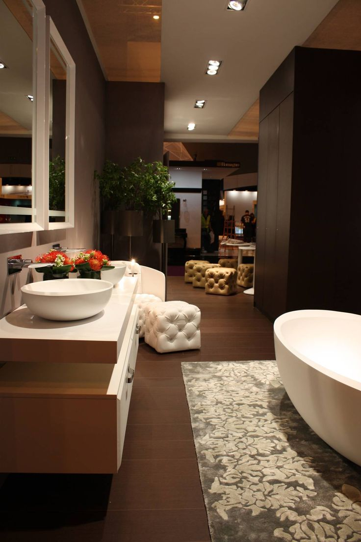 Bordi complete #bathroom: two #washbasins a leather pouf and in a corner the big #bathtub. Do you like this?