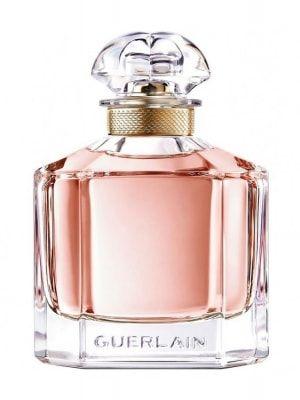 """Guerlain & Angelina Jolie – Mon Guerlain - A actriz e activista humanitária Angelina Jolie foi escolhida como rosto do novo perfume da casa Guerlain, Mon Guerlain, que chega em Março de 2017. Jacques Guerlain disse: """"Nós criamos perfumes para as mulheres que admiramos."""" A ligação de Angelina com a marca remonta a sua infância...  http://www.blog-perfumes.pt/noticias-perfumes/guerlain-angelina-jolie-mon-guerlain/"""