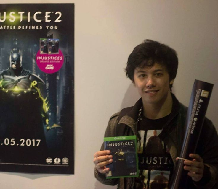 Congratulations Alex Our @injustice 2 Tournament winner! He takes home a copy of the game and some @dccomics goodies!  #altgaminglounge #dccomics #injustice2 #cosplay #batman #HarleyQuinn #joker #superman #comics #DC #greenlantern #shazam #theflash #netherrealm #warnerbros #comiccon #comicbooks #dcextendeduniverse #videogames #esports #fighting #playstation  #ps4 #xbox #win #xboxone #injustice