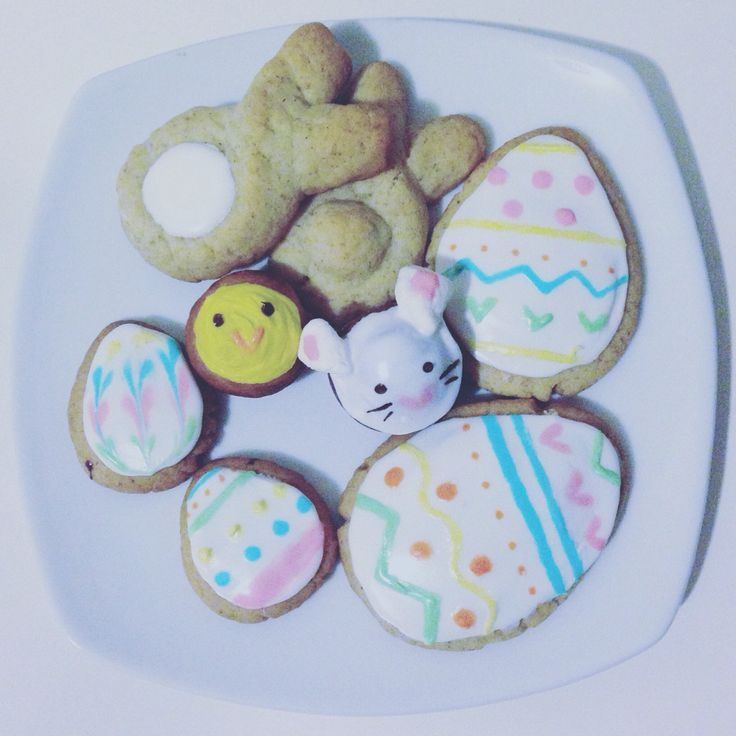 Easter cookies and cake pops