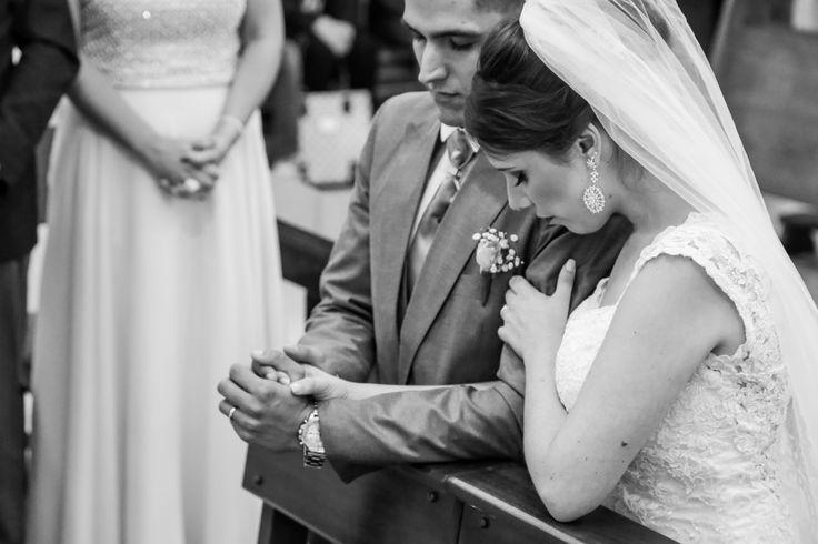 Em você eu sou mais forte    #wedding #weddingday #weddingphotography #love #instagood #beautiful #happy #FotoVilasBoas #AmoresQueInspiram #valedoparaiba #sjc #sp #taubate #jacarei #noivas2017 #casamento2017 #casamentocriativo #casamentos #noivado #noivas2018 #destinationwedding #weddingexperience #weddingbrasil #fotografiadecasamento #vestidadenoiva #lapisdenoiva #bridestyle #bride #groom #mywed