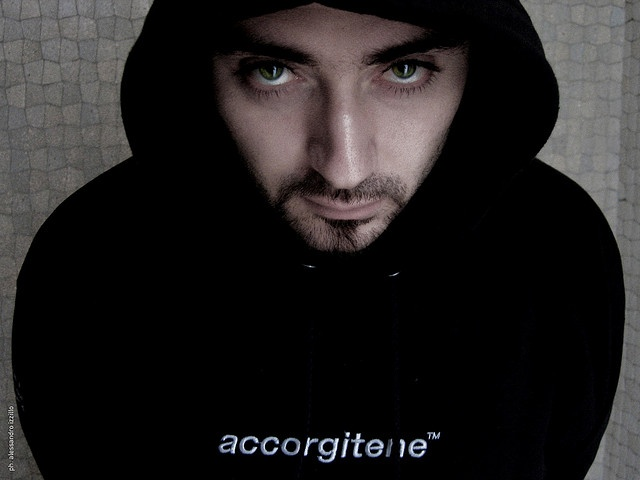 Valerio Millefoglie   http://www.valeriomillefoglie.com/    #accorgitene #valeriomillefoglie