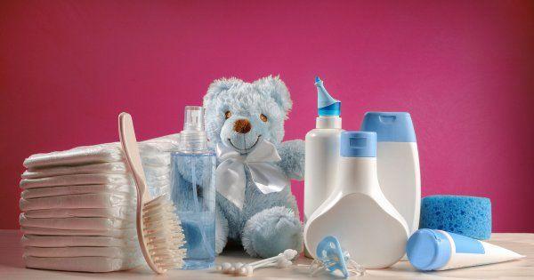 Alors que certains produits d'hygiène et de soins pour bébé sont incriminés dans une enquête menée par l'association de défense des consommateurs UFC-Que Choisir, parue le 20 février, faisons le point sur ceux dont la formule est sûre pour les bouts de chou.