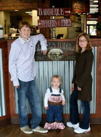 McKenzie's Barbeque - Family Friendly Texas Style