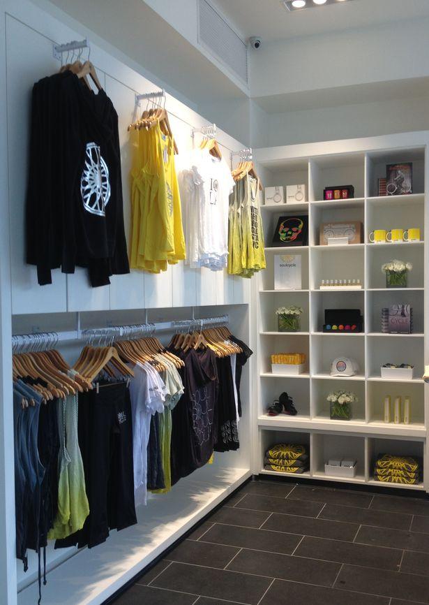 custom retail display units