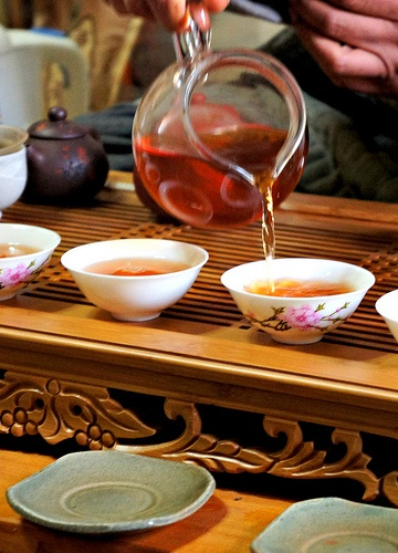 Korean Tea Ceremony. I want to experience this so bad.