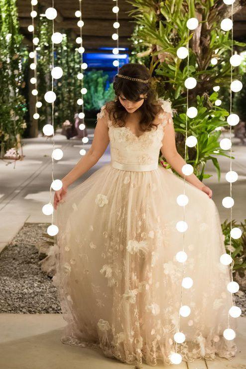 Vestido de noiva vintage por Carol Hungria                                                                                                                                                                                 Mais