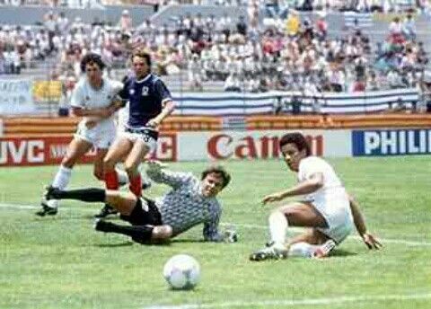 Scotland 0 Uruguay 0 in 1986 in Nezahualcoytl. Graeme Sharp sees a late chance go wide in Group E at the World Cup Finals.