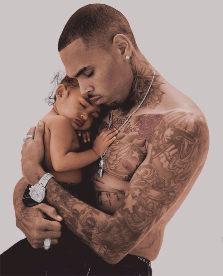 Chris Brown & his daughter Royalty.