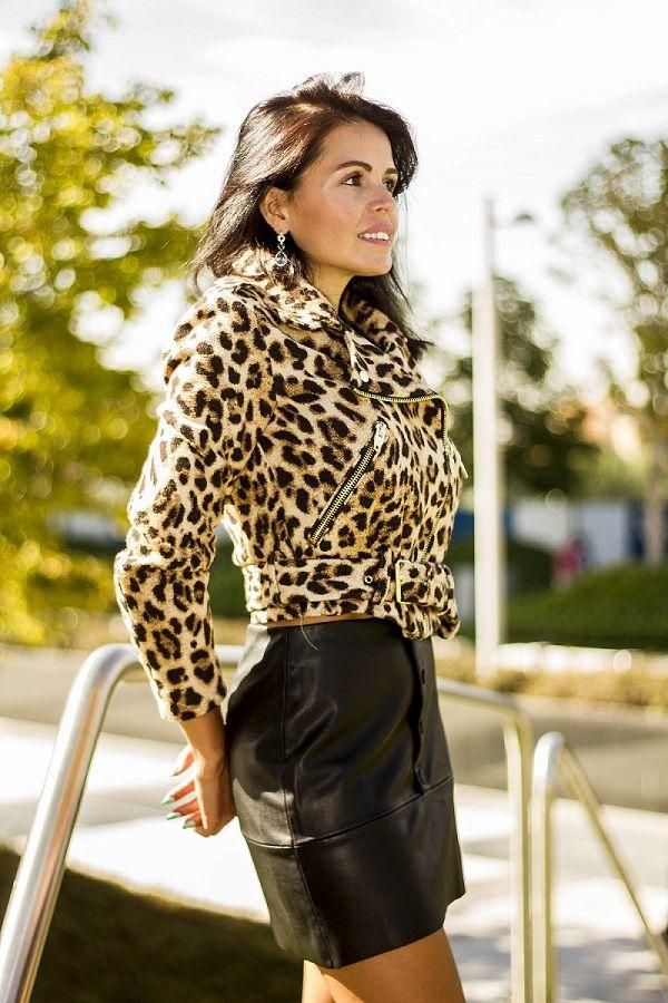 Транс в леопардовой юбке