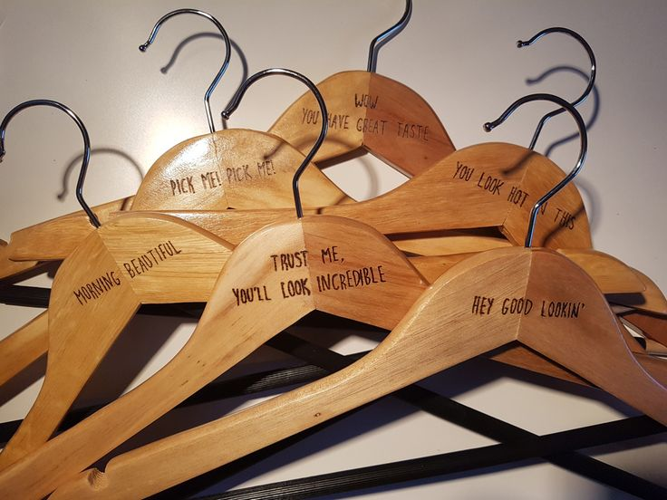 How to Make Pyrography Coat Hangers #pyrography #coat #hanger #woodburning #diy #valentines #gift
