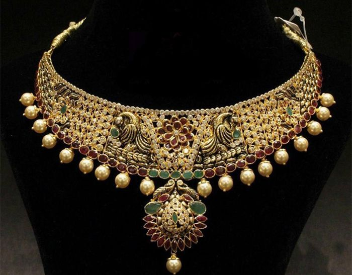Antiquariat Jaipur offers Gold Handmade and Designer Jewellery for Online Users in India. We Offer Ring, Earrings, Pendant, Necklace, Bangle Etc.