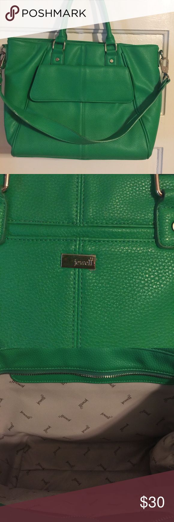 Jewell Diamond District in Gataby's Green Garden Larger Jewell bag in a fun green. What a great way to pop some color into your wardrobe! Functional bag has a zip closure, outer cell phone pocket, removable shoulder strap and functional outer pocket. Jewell Bags Shoulder Bags