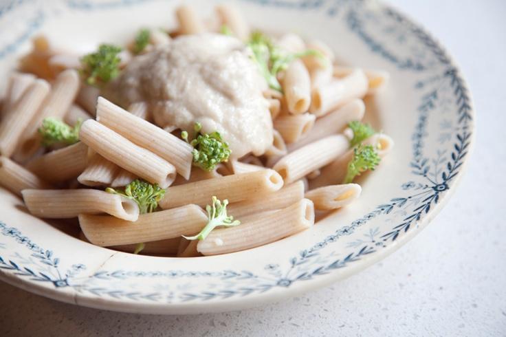 Pasta integral con hummus de calabacín y brócoli   Natural