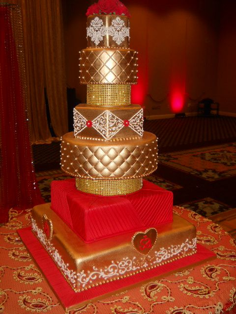 Gold And Red Wedding Cake Wedding In 2019 Wedding Cake Red Red