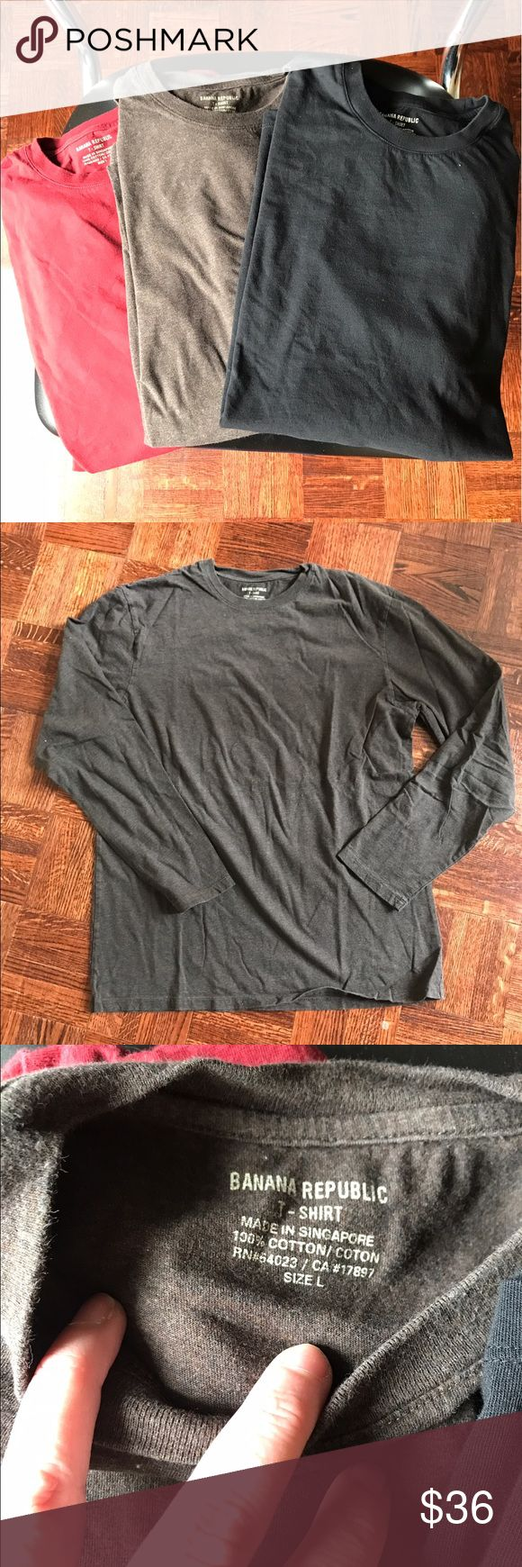 BANANA REPUBLIC 3 tshirt bundle EUC Banana Republic t-shirts (3) in red, heathered beige, washed black short sleeved and in excellent condition. Have only been washed never worn. Size L all purchased together. Sorry no trades🛍🛒bundle for deeper discounts. 💵Reasonable offers only please💸. 🆓Gift🎁 with purchase.📦Ships within 48hrs ⏱Ask questions ⁉️ Banana Republic Shirts