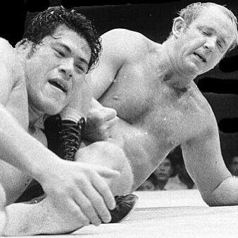 #OnThisDay in 1969 Antonio Inoki vs Dory Funk Jr. for the @nwa world heavyweight championship in japan. - - - - #wwe #sdlive #wwenxt #raw #205live #wweshop #wearenxt #youtube #smackdown #wwf #ufc #prowrestling #ufcfightnight #ufcfightpass #wcw #impactwrestling #mondaynightraw #nwa #nationalwrestlingalliance #antonioinoki #doryfunkjr #worldheavyweightchampion #nwaworldheavyweightchampionship #tenpoundsofgold