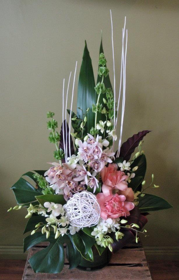 //Orchids arrangement