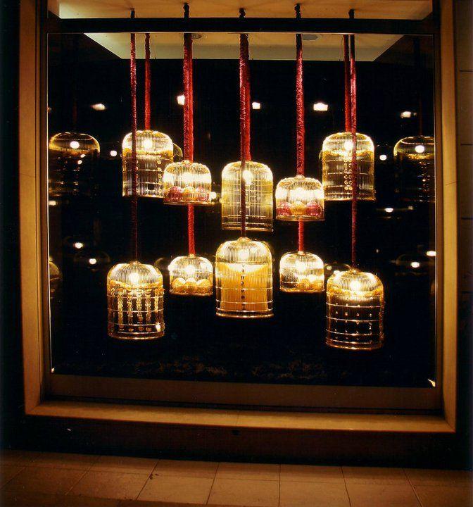 vetrina con gabbie 1° classificata al concorso vetrina di natale More