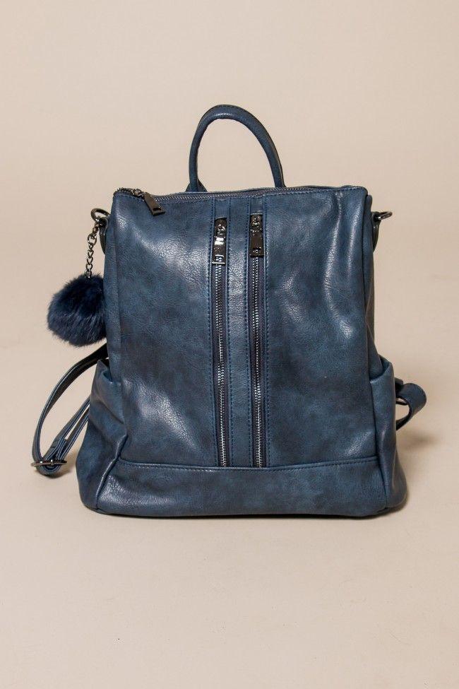 Blue Backpack with Two Front Zips Σακίδιο σε μπλε χρώμα με δύο μπροστινά φερμουάρ και τσεπάκια στα πλαϊνά. Κλείνει με φερμουάρ. Τα λουριά της αυξομειώνονται. Μεγάλη χωρητικότητα, εσωτερικά τσεπάκια.