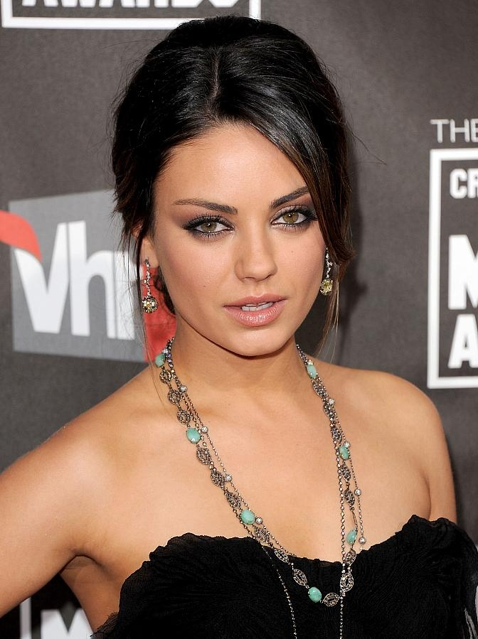 Celebrity Lookbooks: Mila Kunis at Critics Choice Movie Awards, LA