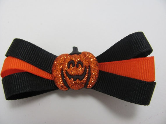 Super cute Halloween hair bow; available in my Etsy store.Super, Denise B S, Bows Holders, Bows Headbands, Cute Halloween, Holders Creations, Etsy Stores, B S Hair, Halloween Hair Bows