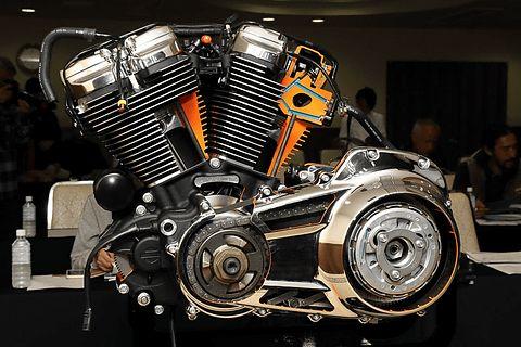 ハーレーダビッドソン、新世代「ミルウォーキーエイト」エンジン搭載の新モデル説明会 - Car Watch