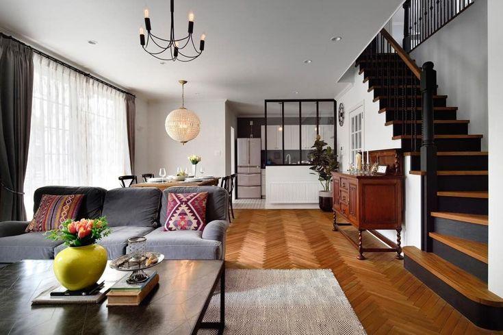 いいね!100件、コメント5件 ― アメリカ輸入家具_オーセンティック コレクション_東京恵比寿さん(@authentic_collection_net)のInstagramアカウント: 「今度はリビング側から眺めてみます。階段のけこみ板のブラックがカッコいいですね!これだけ広いLDKだと、弊社の輸入家具も、サイズ感がぴったりのよう。(もちろん小さめの家具もご用意ございますのでお気軽にご相談を)…」