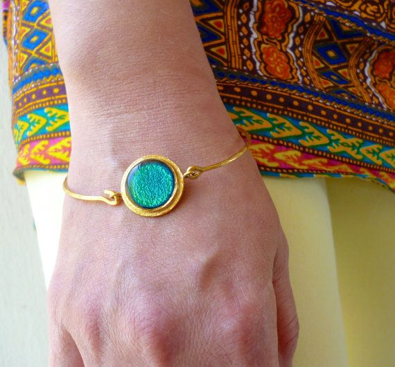 Hey, I found this really awesome Etsy listing at https://www.etsy.com/listing/384565474/round-bracelet-round-bangle-emerald