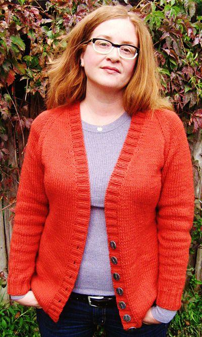 Shapely boyfriend cardigan : Knitty Deep Fall 2011