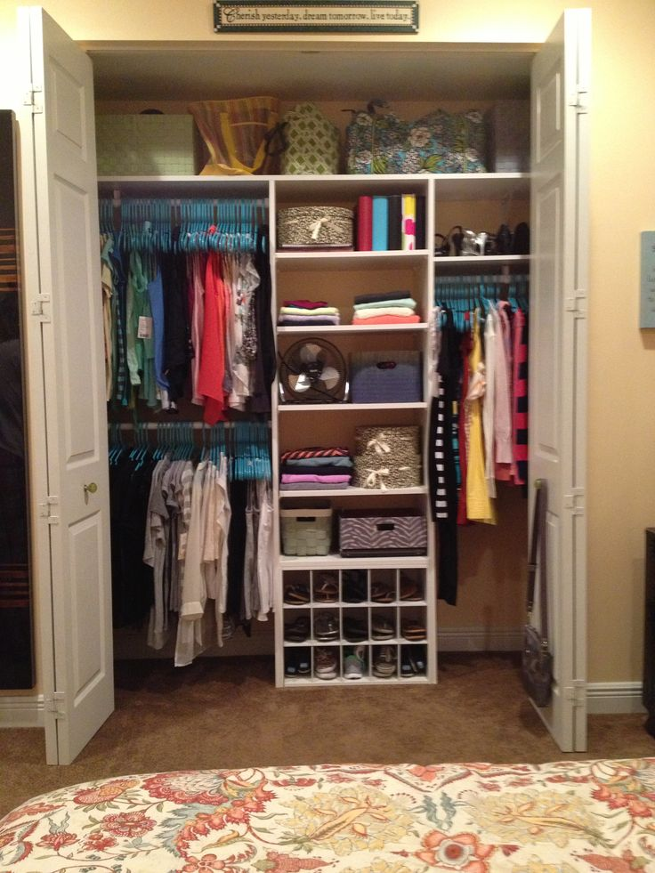 closet organization :) Want to make my youngest daughters closet look like this while she is at camp this week....ikea here I come.