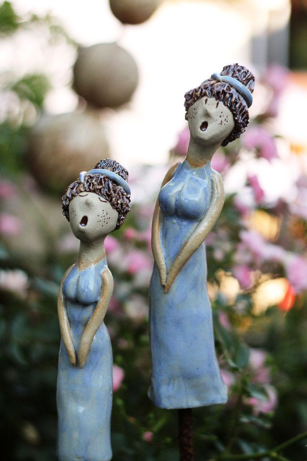 http://de.dawanda.com/product/103175203-gartenkeramik-gardengirls