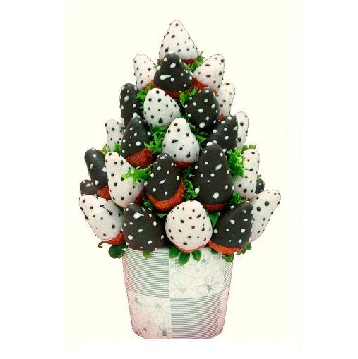 """Deluxe"" | Fresas con chocolate blanco y chocolate con leche | 50 €uros | @Fruristeria"