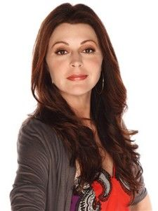 HOT in Cleveland/Jane Leeves as an English aesthetician looking for a Green Card.