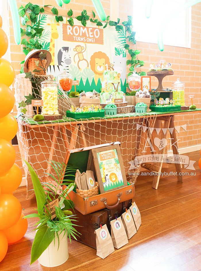 http://aandklollybuffet.com.au/jungle-safari-first-birthday-dessert-table/
