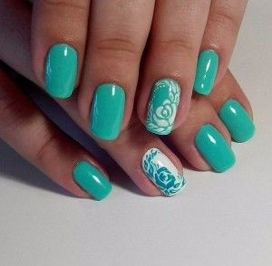 Nicely combined details on ring fingers nail, opposite colors and opposite background.