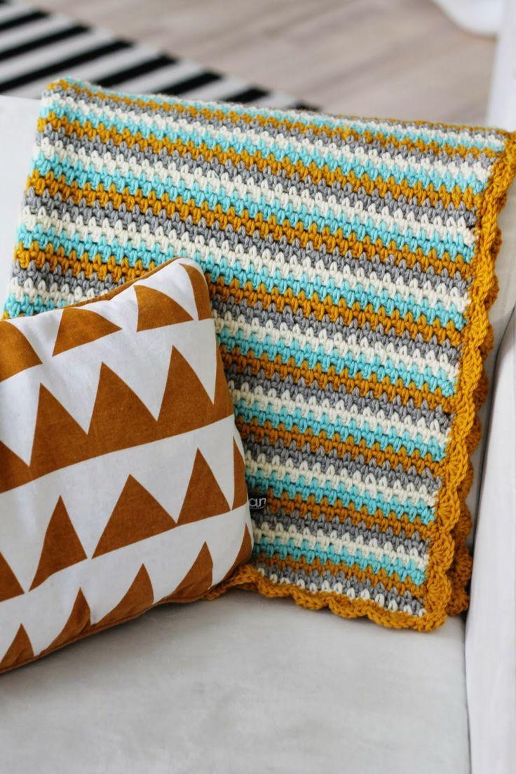 Moss stitch crochet blanket