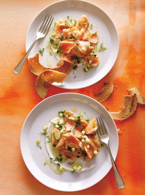 Assiette de saumon froid à l'aneth