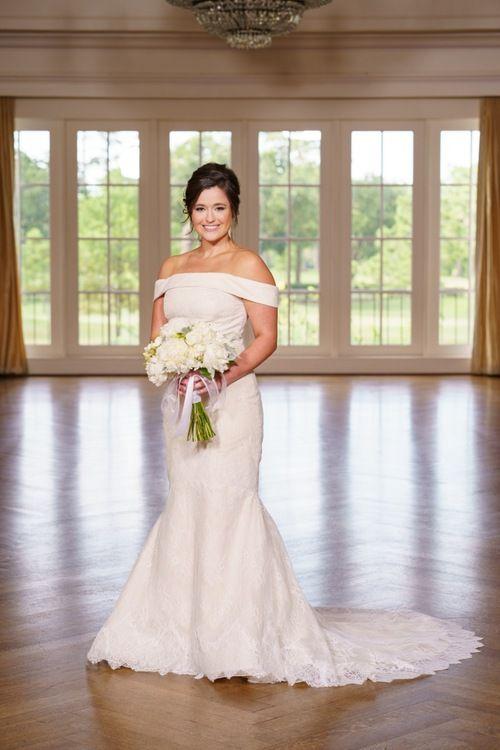 Adair Andrew S Romantic Wedding At River Oaks Country Club In Houston Tx Romantic Wedding Photographer Texas Wedding Photographer Houston Wedding Photographer