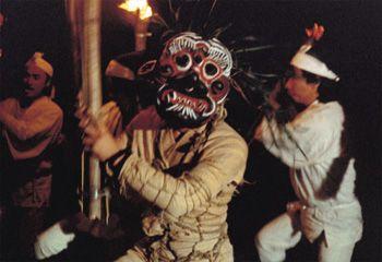 国東の修正鬼会-鬼さまが訪れる夜-   公益財団法人ポーラ伝統文化振興財団