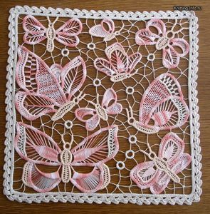 Discussion forum on Romanian Lace (in Russian).  Great pictures and diagrams.