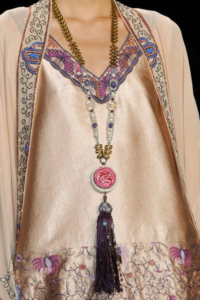 Anna Sui Fall 2014 - Details